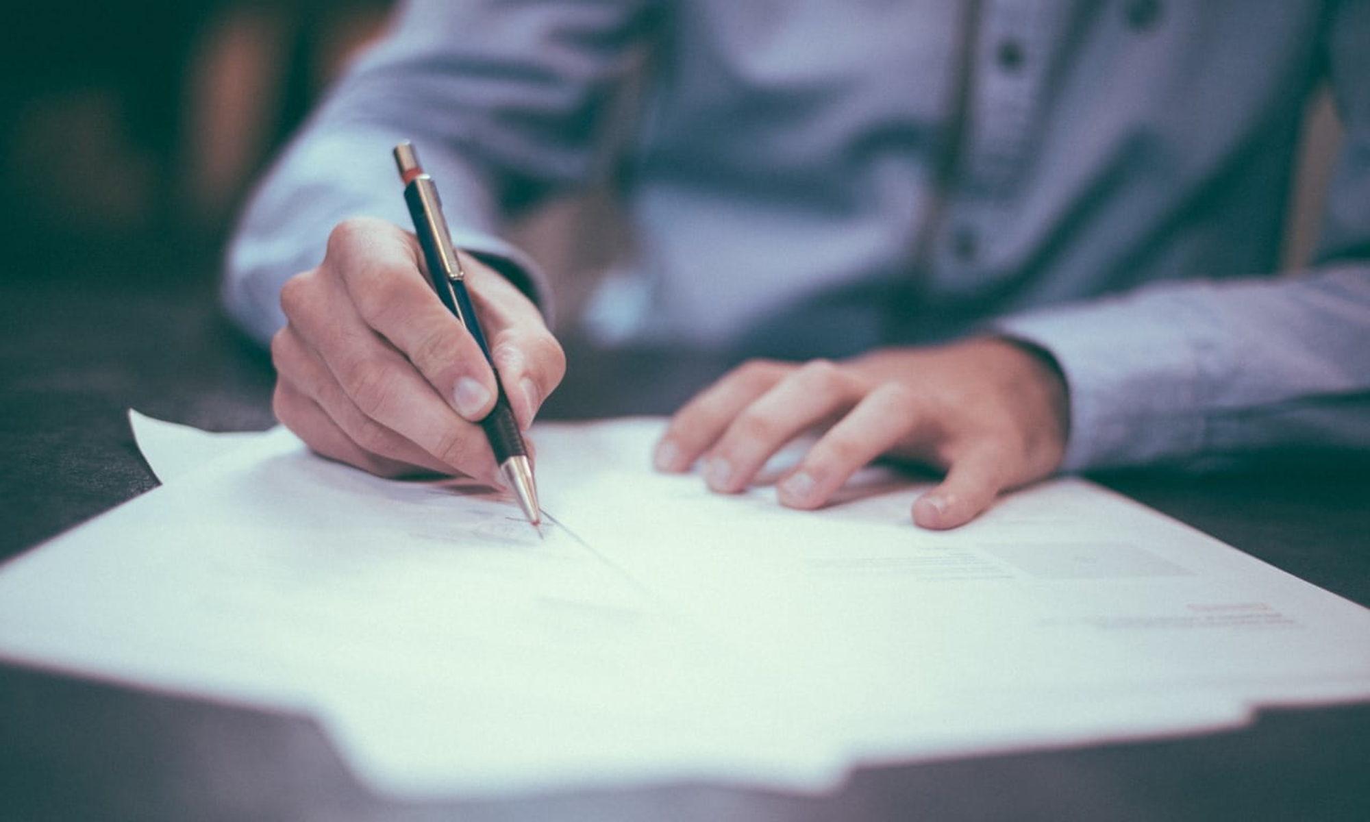 Grafolog - badania dokumentów i pisma ręcznego
